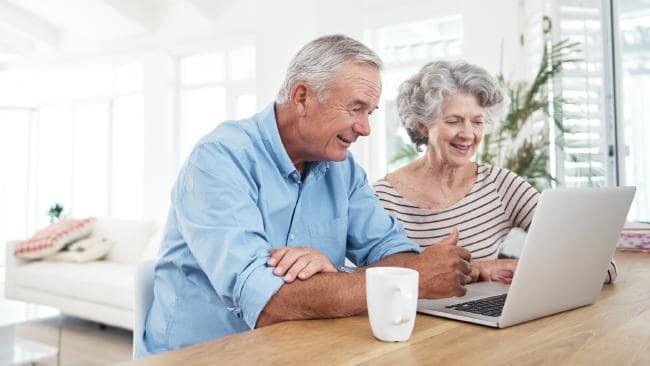 как получить страховую часть пенсии пенсионеру