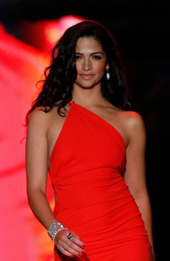 Камила Алвес модель