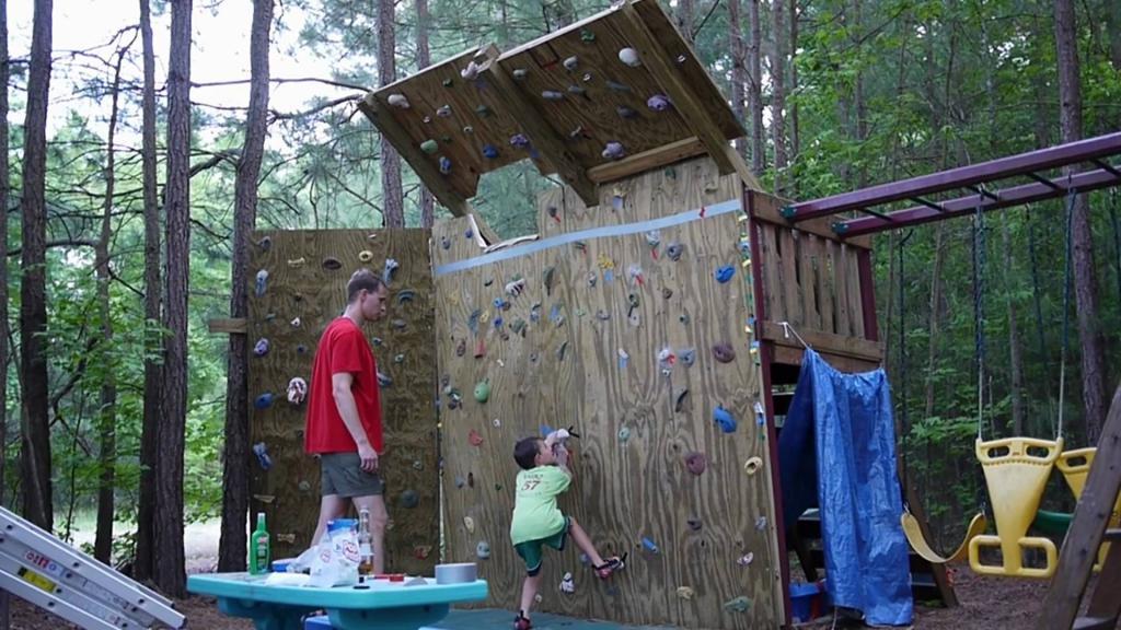 Скалодром для детей