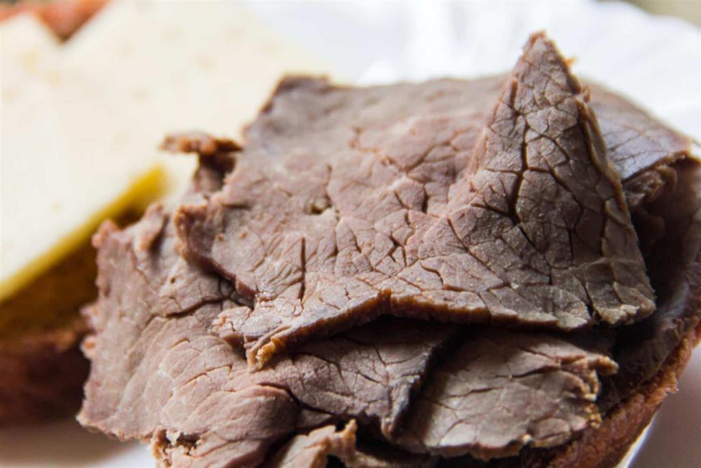 Куски вареного мяса