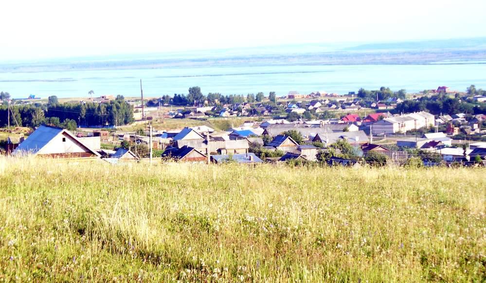 Село Красный Бор на берегу Камы