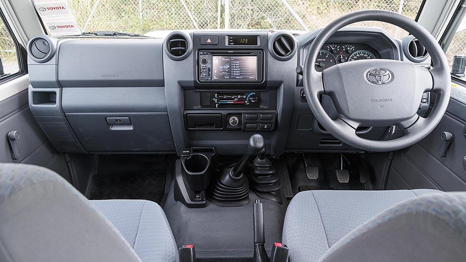 """Тойота-Лэнд-Крузер"" 70: история, технические характеристики, особенности"