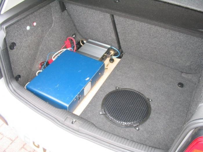 как правильно установить сабвуфер в машину