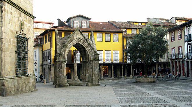 Площадь Ларго-да-Оливейра