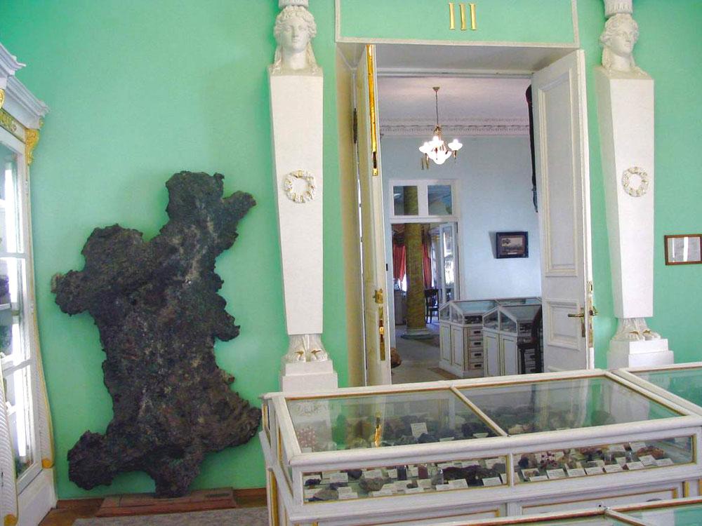 Экспонаты горного музея