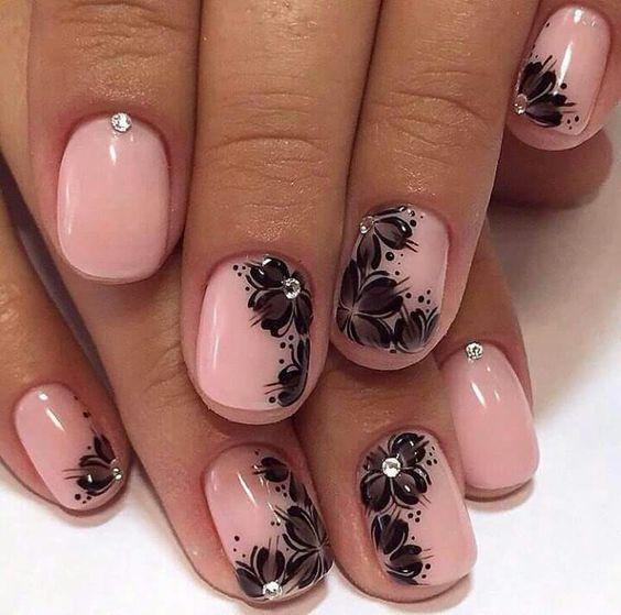 черный рисунок на розовом фоне