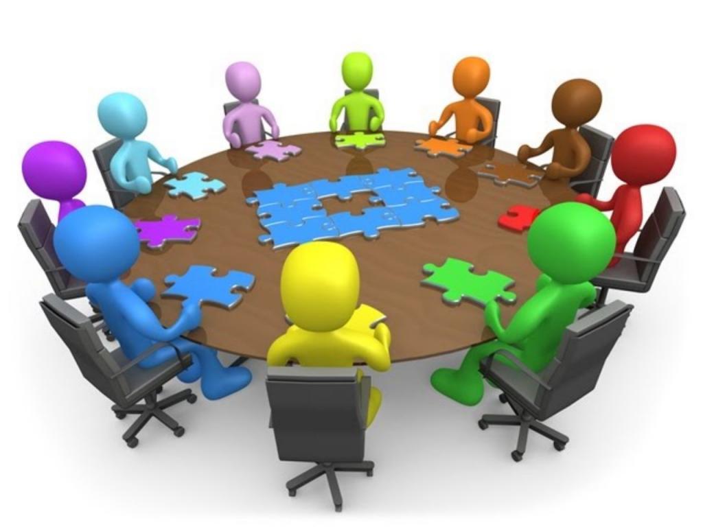 Участники за столом
