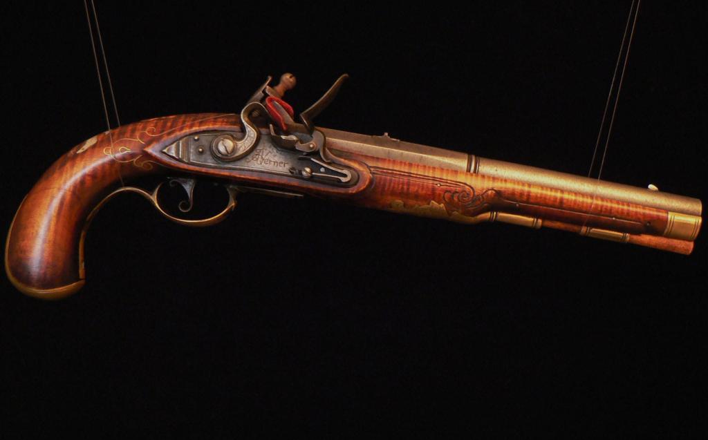 топ самых лучших пистолетов мира