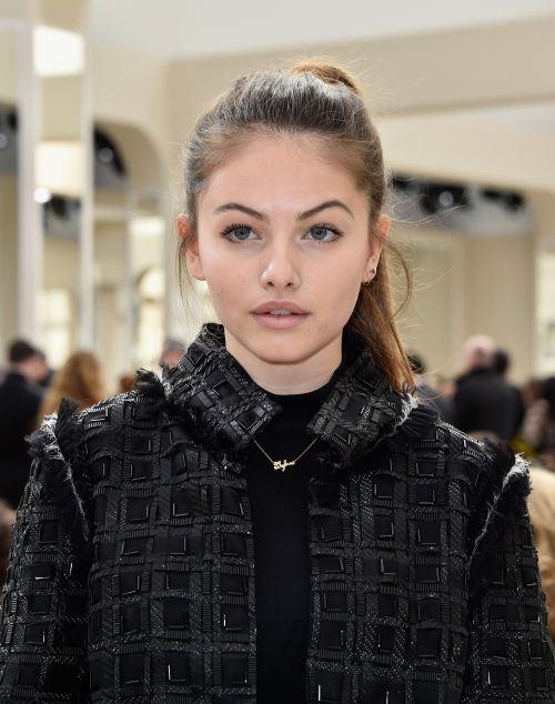 Французский макияж на девушке