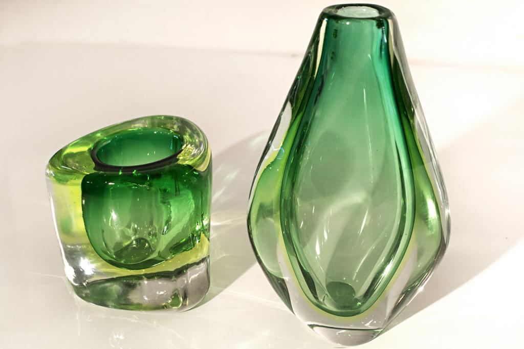 Стеклянные вазы тоже красивы