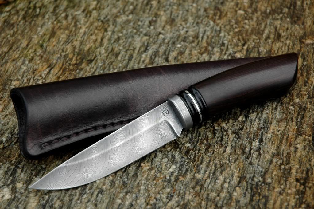 Нож с рукоятью из мербау