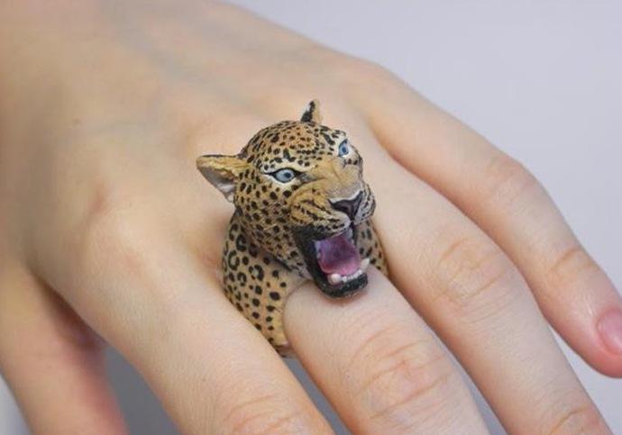 Кольцо с головой тигра