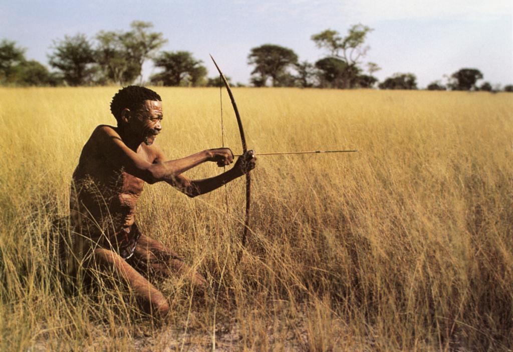 Африканский мужчина-охотник