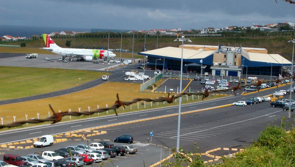 Аэропорт в Понта-Делгаде