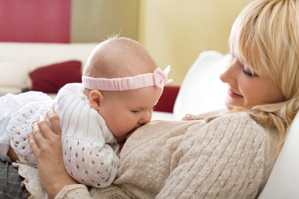 Причины почему ребенок давится