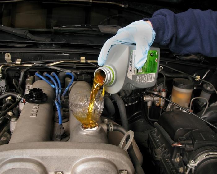 какое масло лить в двигатель
