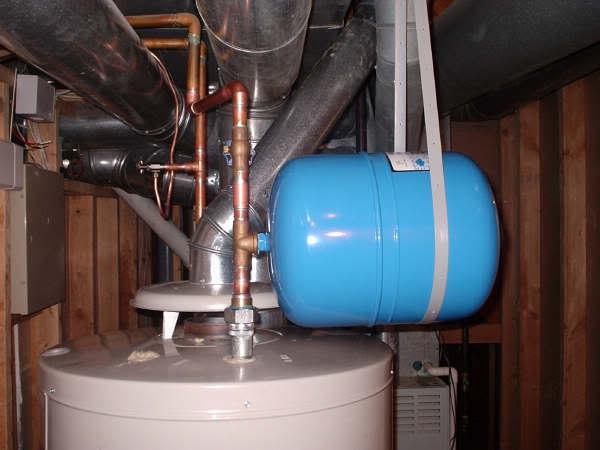 расширительный бак для систем водоснабжения