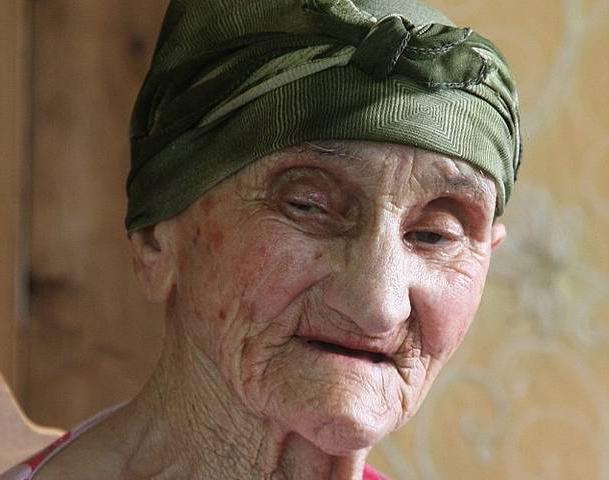 самая старая женщина, родившая ребенка