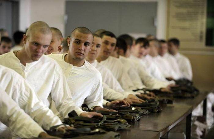 Во сколько лет забирают в армию в беларуси 2018