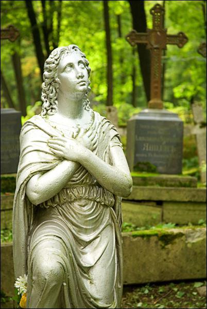 смоленское кладбище в санкт петербурге