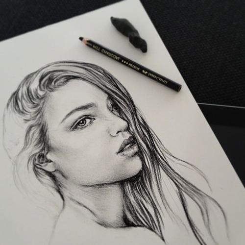 как нарисовать лицо девушки