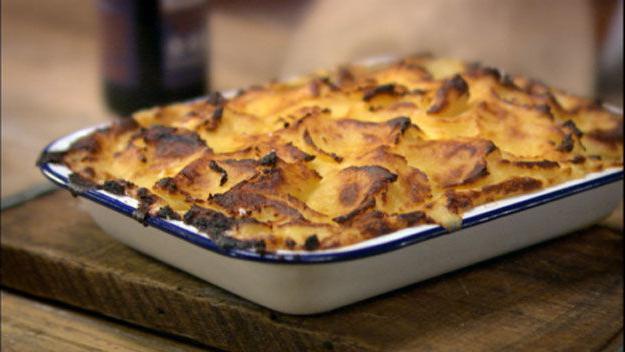 заливной пирог с рыбой и картошкой