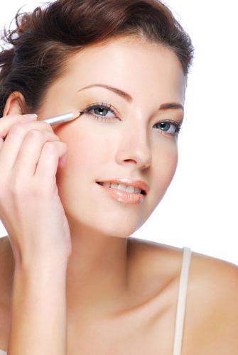 Карандашная техника в макияже фото