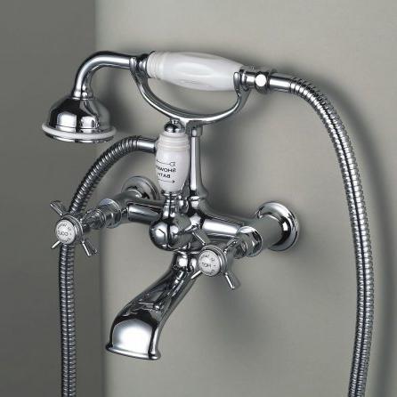 Настенный смеситель для ванной