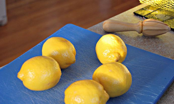 Есть ли крахмал в лимоне