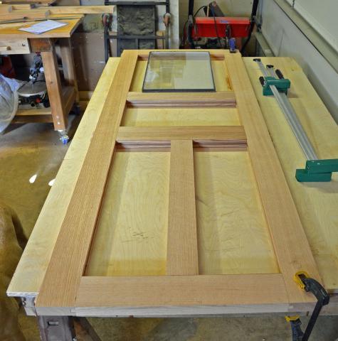 Для изготовления дверей из дерева своими руками