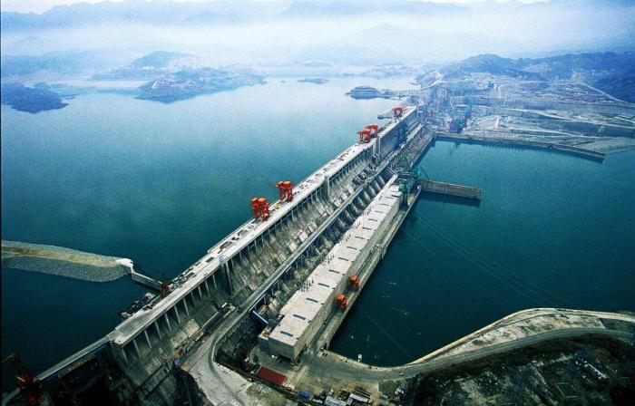 самая мощная в мире гидроэлектростанция