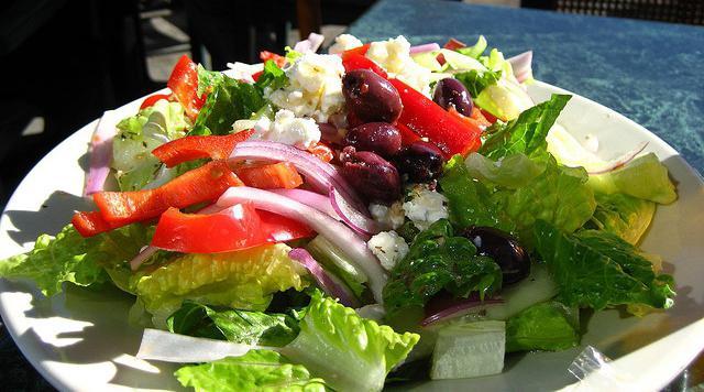 салат греческий с креветками рецепт с фото пошагово