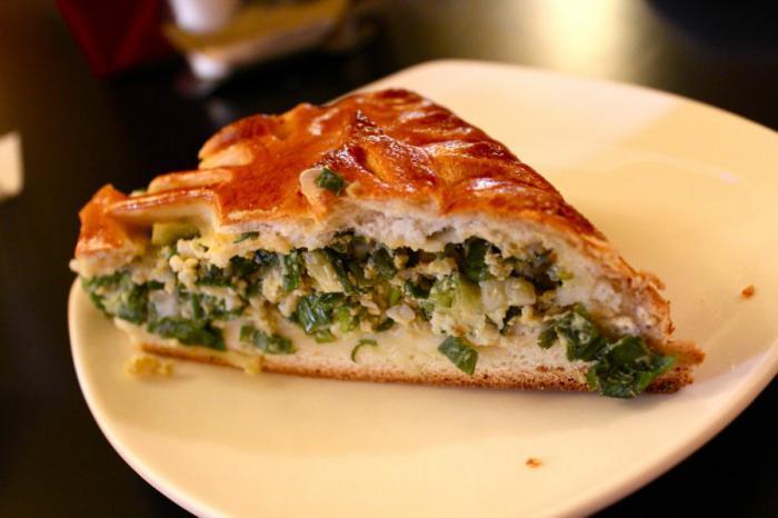 быстрый пирог с яйцом и зеленым луком