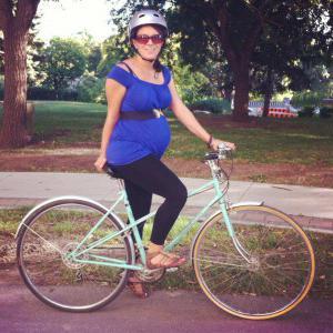 Почему беременным нельзя кататься на велосипеде