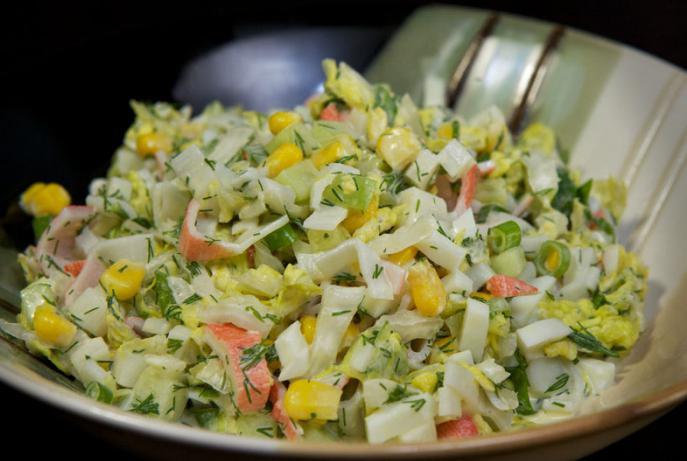 Салат с крабовыми палочками и капустой рецепт с фото пошагово