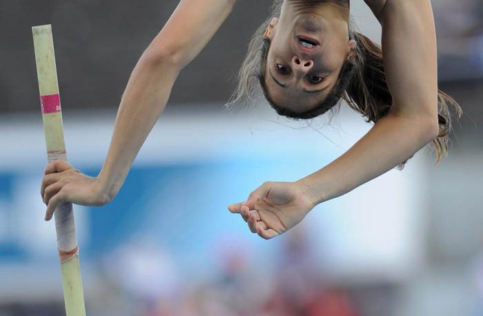 прыжки в высоту с шестом