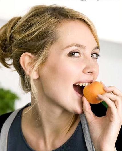 сонник цветущий абрикос