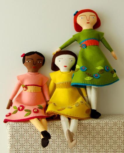 Как сделать куклу из ткани и ваты