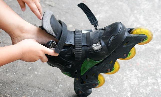 как быстро научить ребенка кататься на роликах