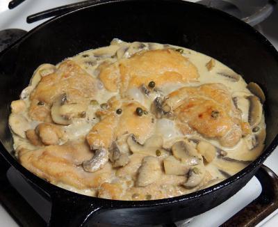 куриное филе в грибном соусе со сметаной