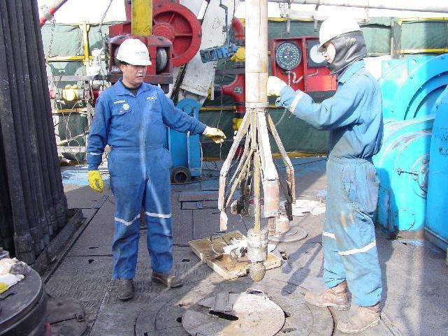 полевой инженер в нефтяной отрасли